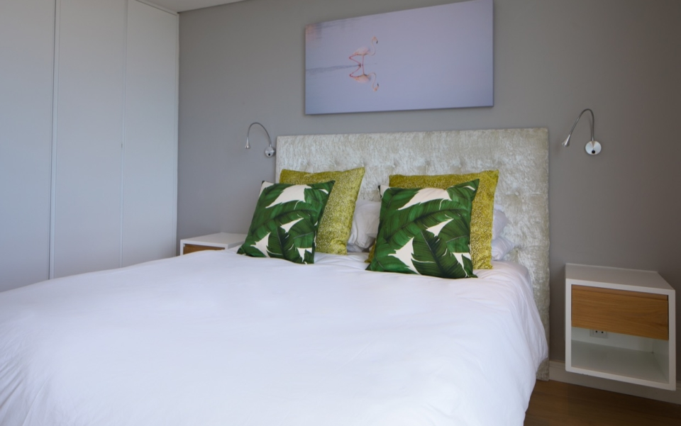 Luxury Vacation Rental Holiday Apartment Cape Town Mouille Point Villa Marina 24 Bedbath03