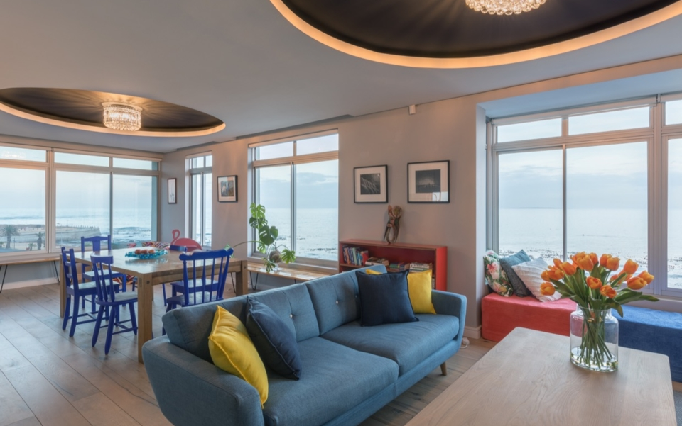 Luxury Vacation Rental Holiday Apartment Cape Town Mouille Point Villa Marina 24 Featured01