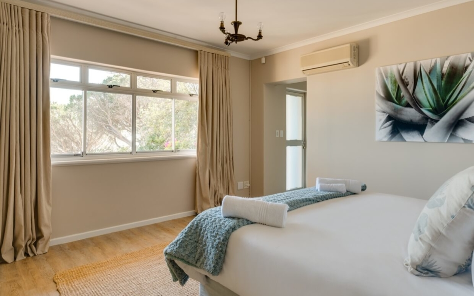 Luxury Cape Town Camps Bay Villa 15woodford Bedroom View