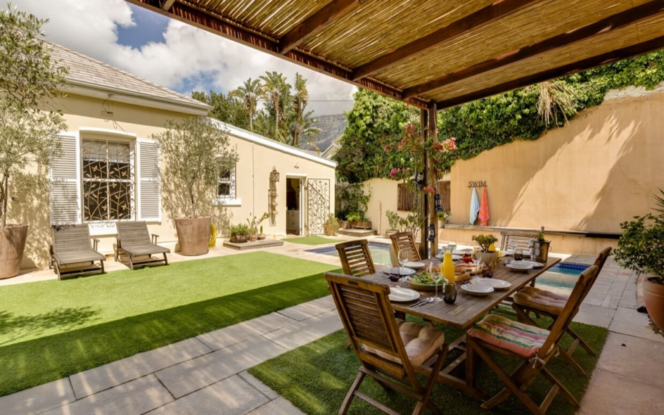 Luxury Holiday Villa Vacation Accommodation Cape Town Burnside Cottage Outdoor01