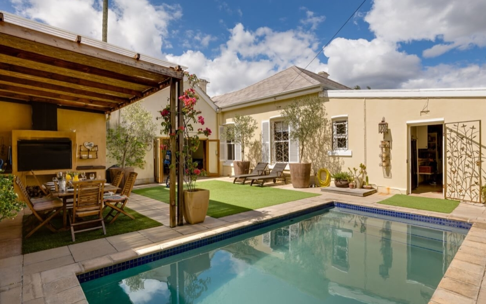 Luxury Holiday Villa Vacation Accommodation Cape Town Burnside Cottage Outdoor04