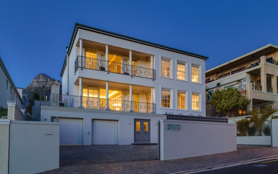 Luxury Villa Rental Cape Town Camps Bay Cloud House Outdoor04