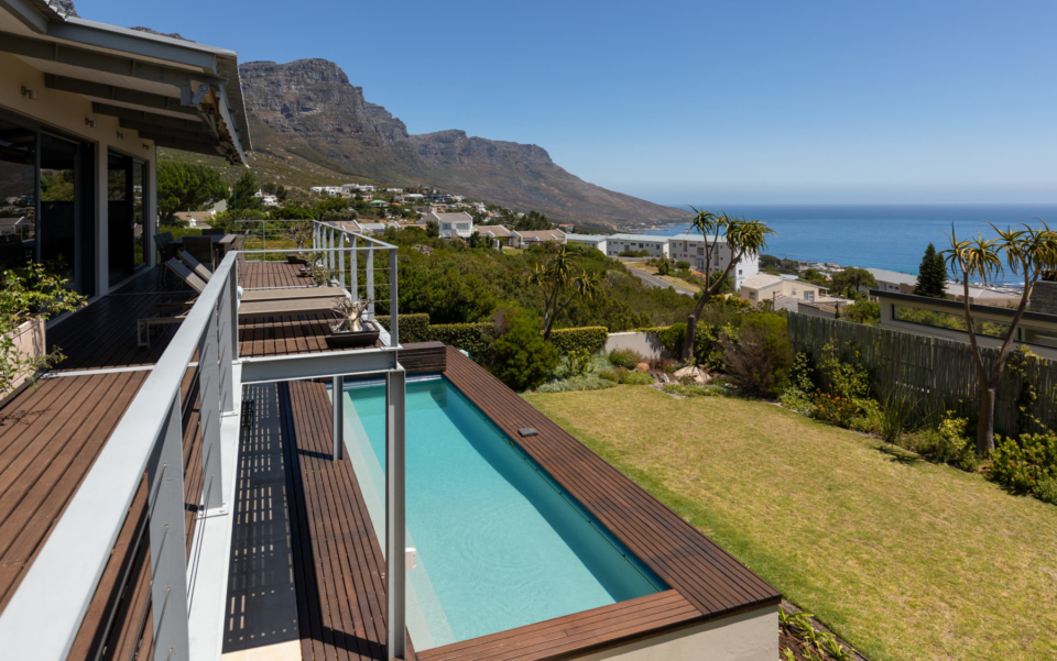 Luxury Villa Rental Cape Town Camps Bay Hely Horizon Pool And View Over The 12 Apostles