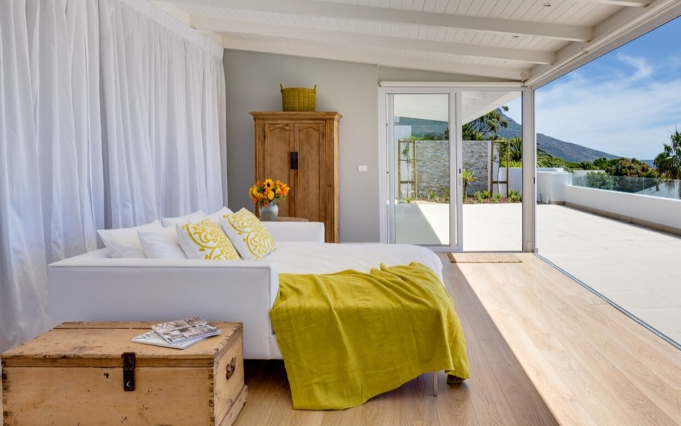 Luxury Villa Vacation Rentals Self Catering Accommodation Cape Town Camps Bay Ottawa Bedbath09