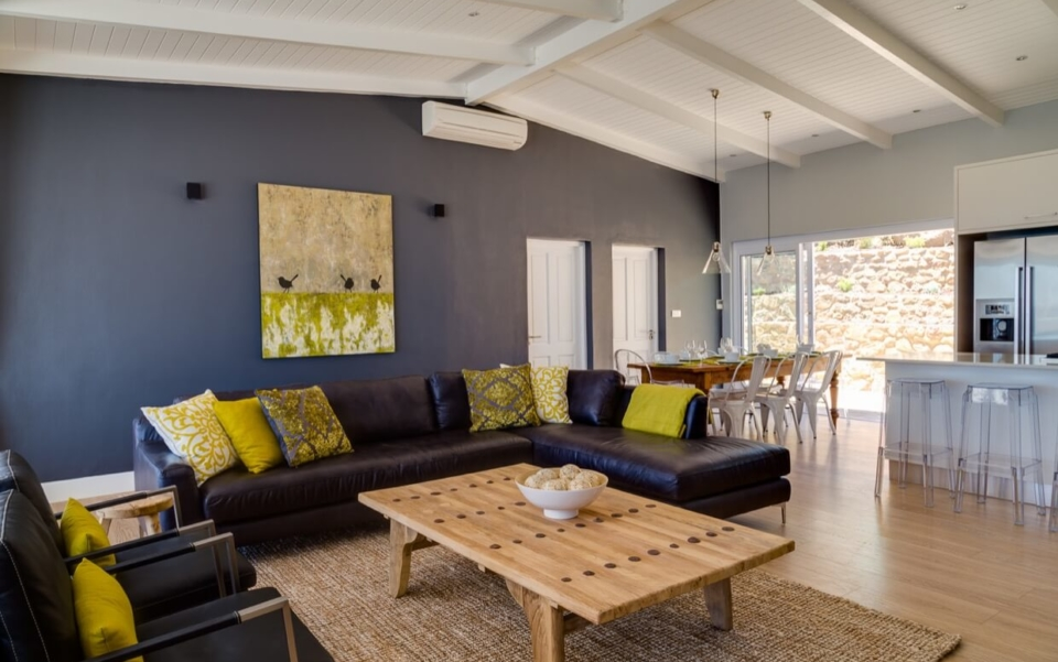 Luxury Villa Vacation Rentals Self Catering Accommodation Cape Town Camps Bay Ottawa Living01