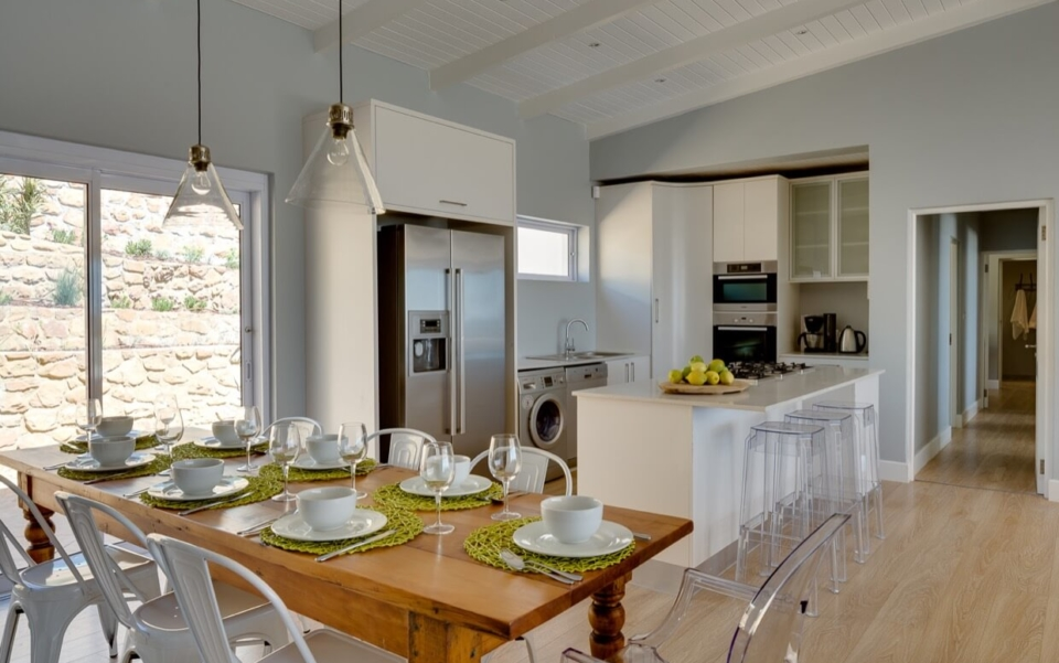 Luxury Villa Vacation Rentals Self Catering Accommodation Cape Town Camps Bay Ottawa Living03