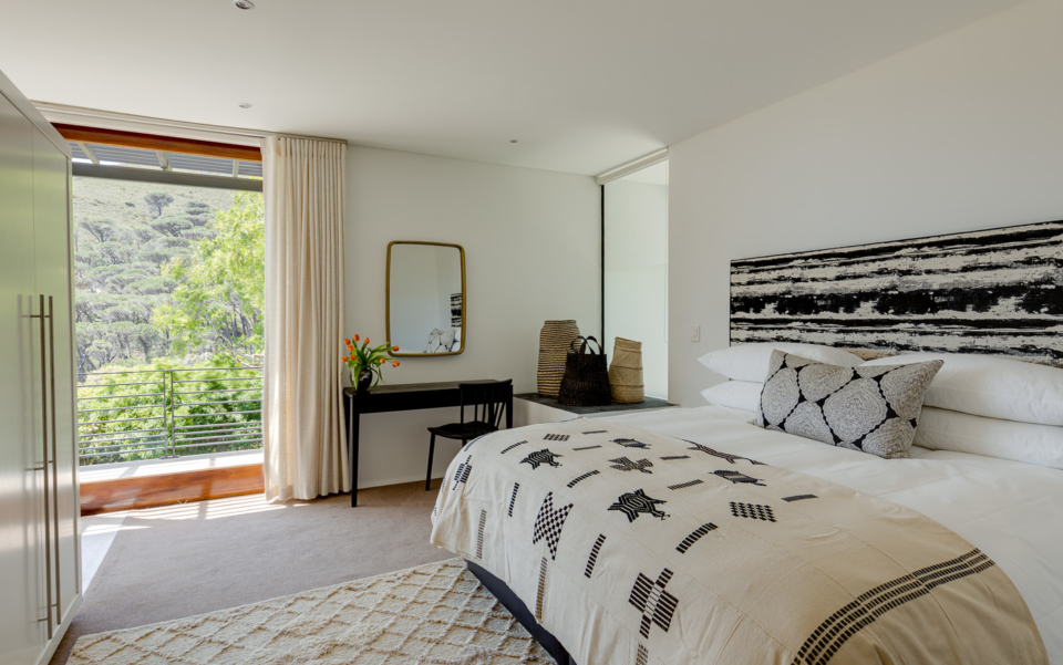 Luxury Cape Town Camps Bay Holiday Villa Le Thallo Bedroom Lion Head View