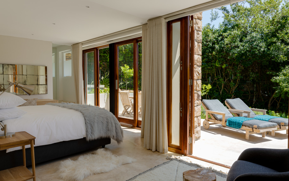 Luxury Cape Town Camps Bay Holiday Villa Le Thallo Bedroom Loungers
