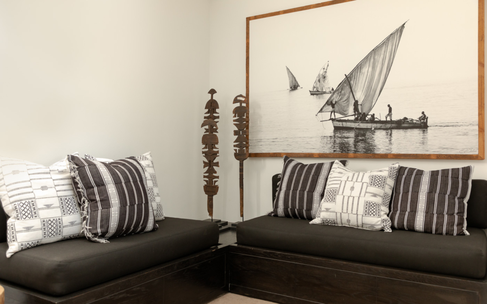 Luxury Cape Town Camps Bay Holiday Villa Le Thallo Lounge Ships