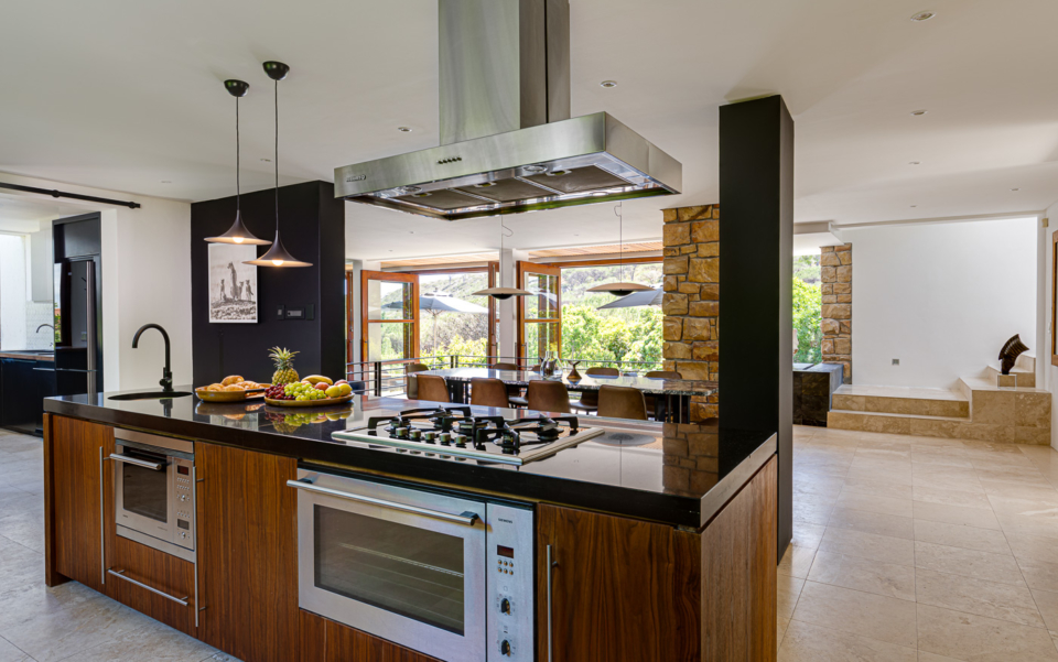 Luxury Cape Town Camps Bay Holiday Villa Le Thallo Open Plan Kitchen