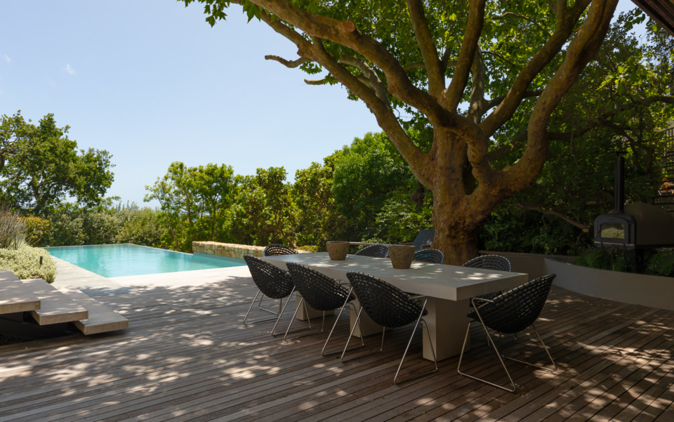 Luxury Cape Town Camps Bay Holiday Villa Le Thallo Pool Dining