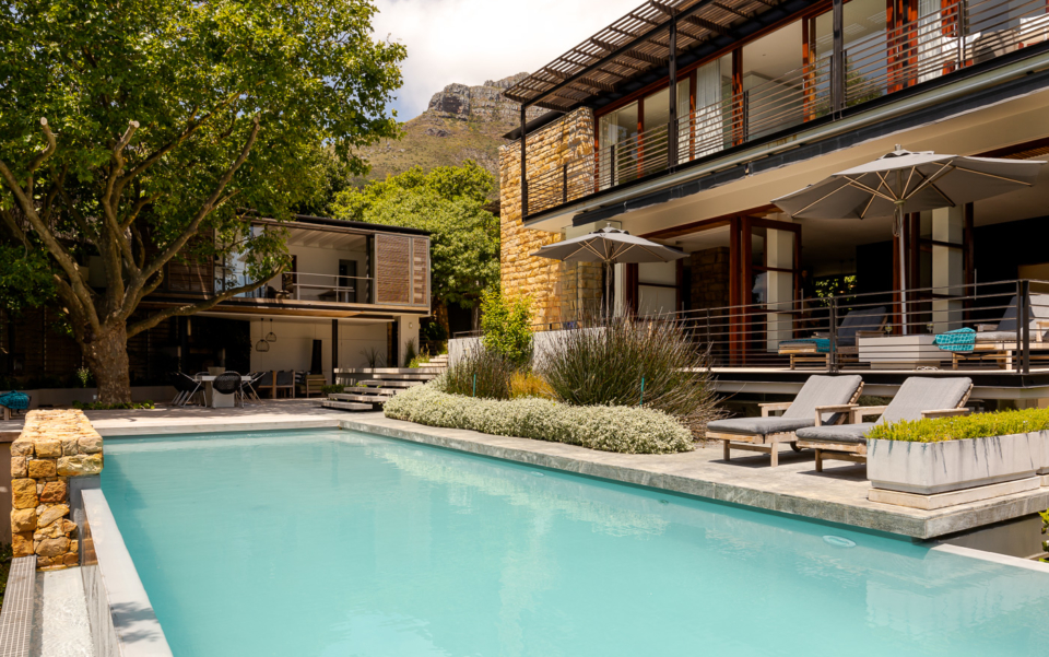 Luxury Cape Town Camps Bay Holiday Villa Le Thallo Pool House View