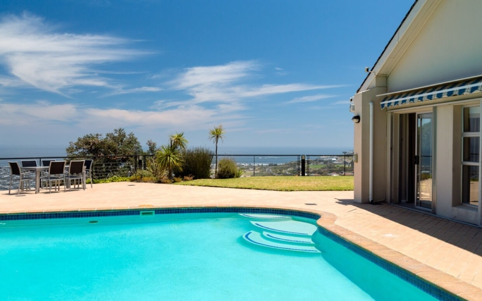 Luxury Cape Town Camps Bay Villa 15woodford Pool Day